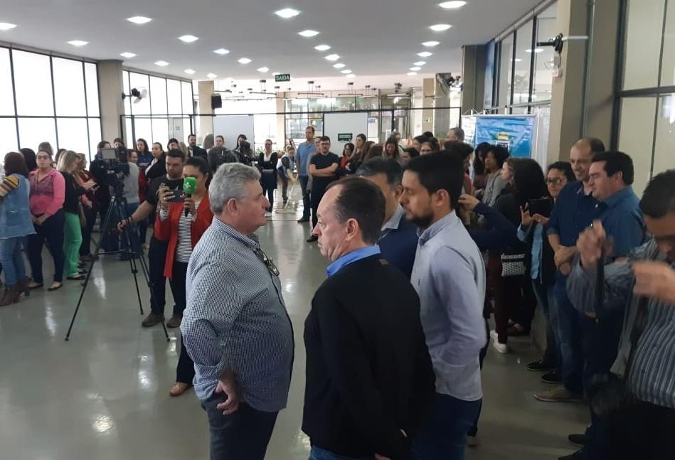Secretaria de Educação assina início das obras em dois CMEIs em Cascavel