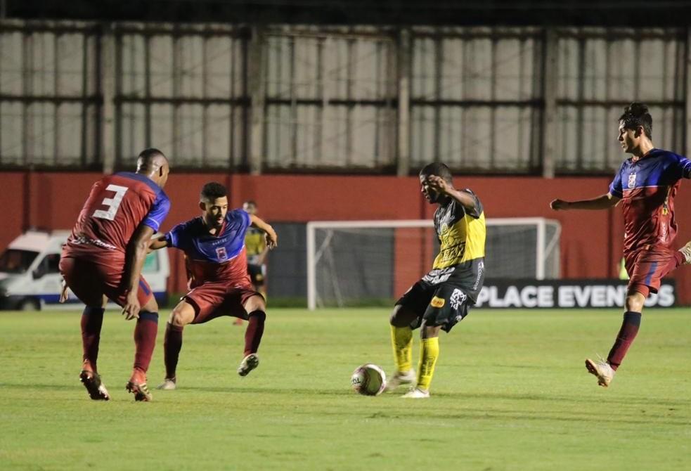 Paulo Sérgio volta a marcar e FC Cascavel vence o Paraná de virada
