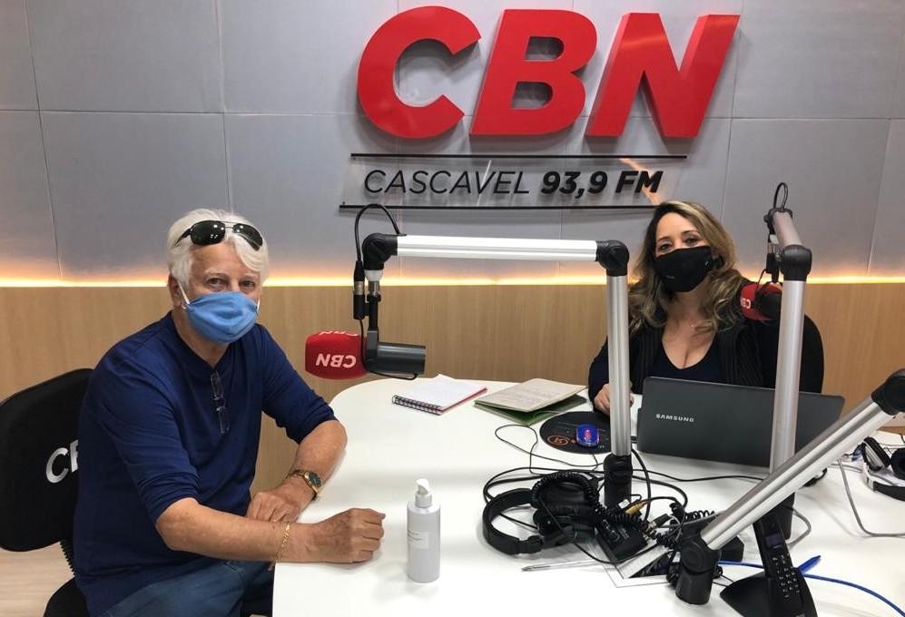 Consulado Gremista de Cascavel faz doação financeira à Secretaria de Saúde