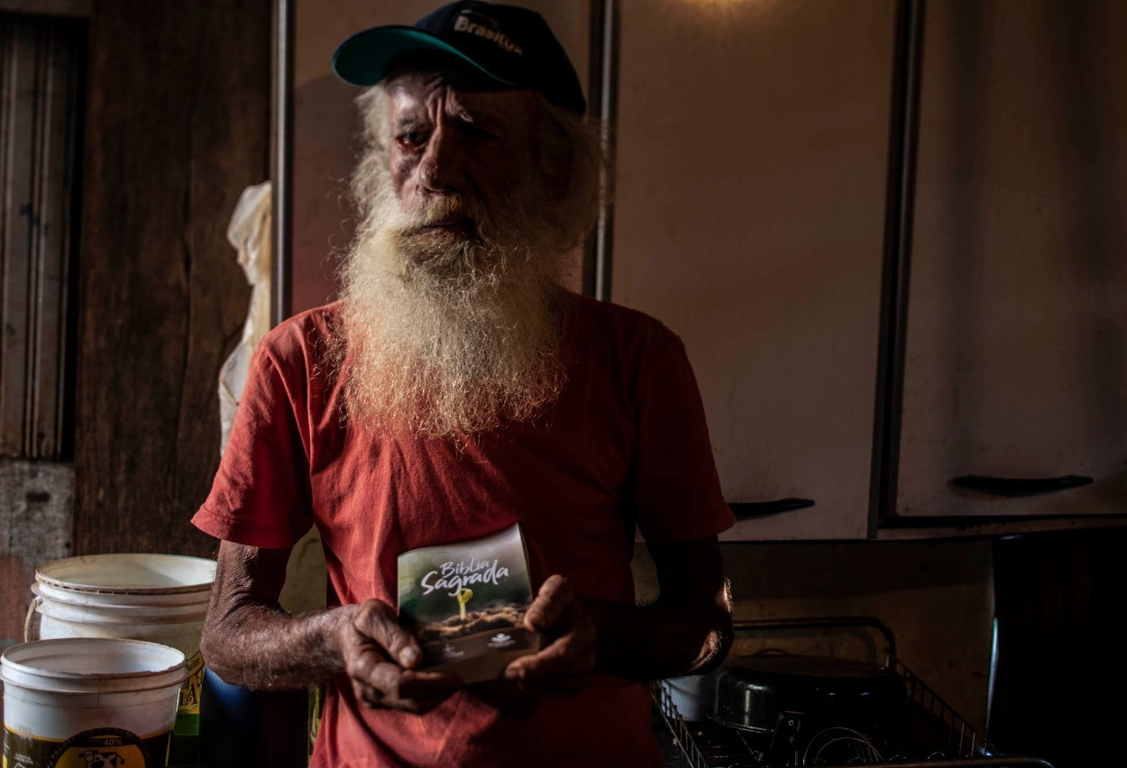 Fotografo de Cascavel retrata condições de vida de trabalhadores informais