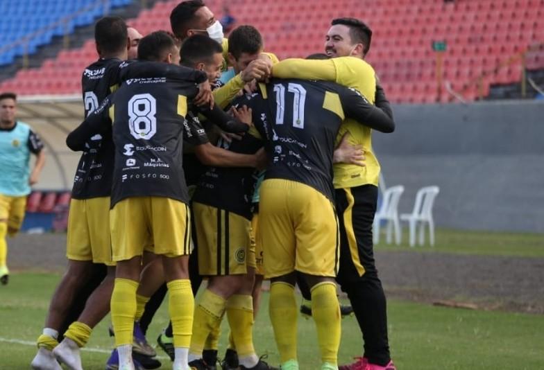 Com gol no último minuto, FC Cascavel e Londrina empatam