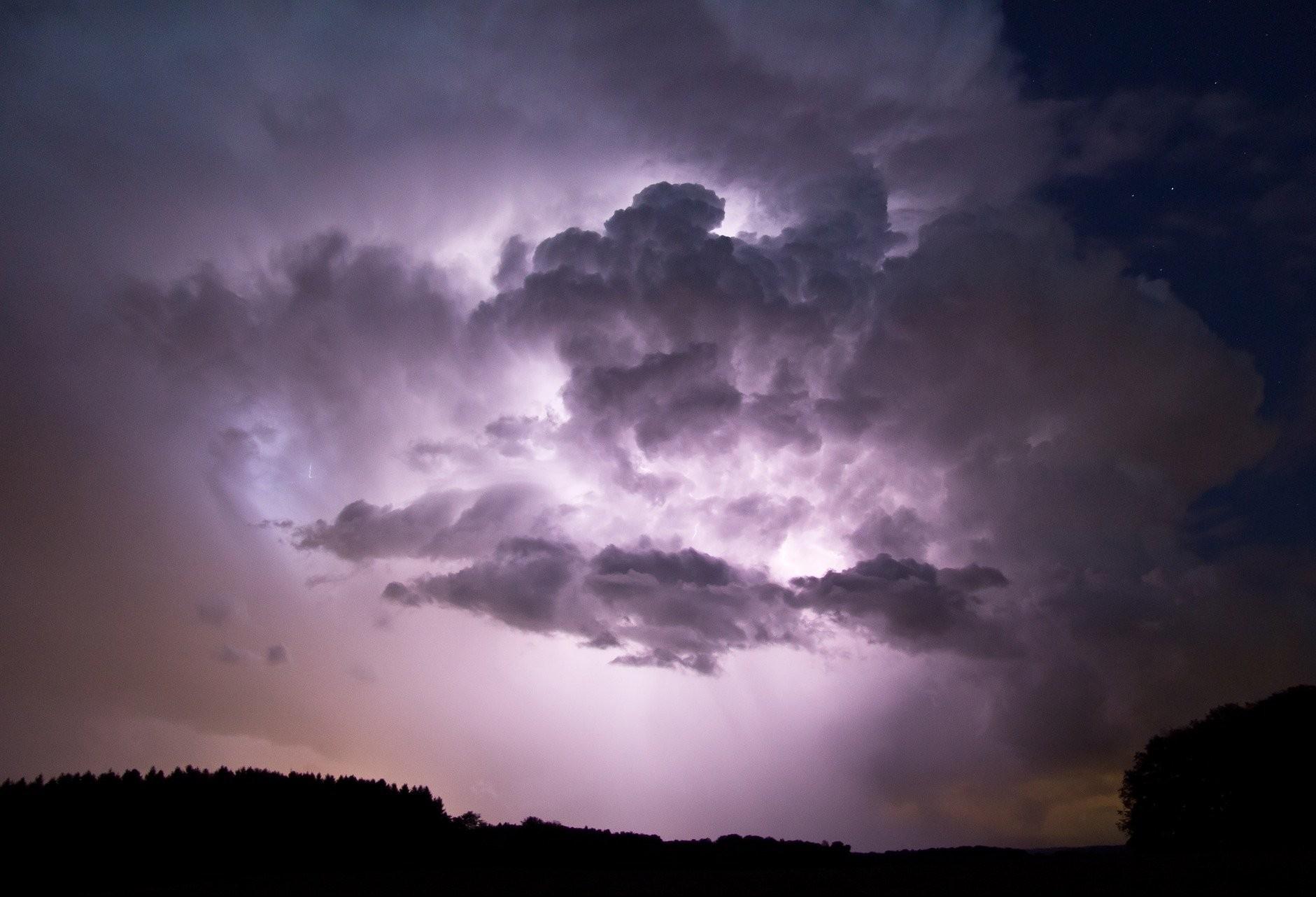 Forte chuva atinge Cascavel e deixa estragos;
