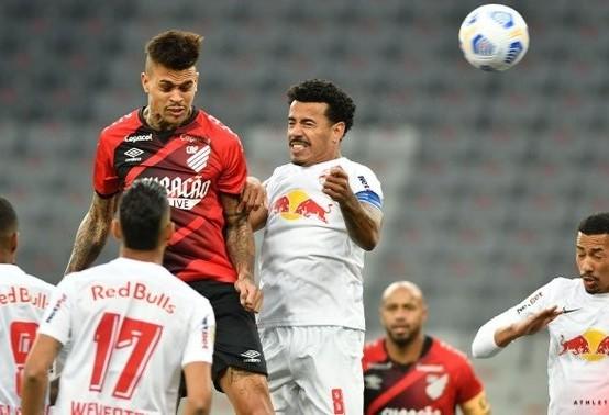 Athletico empata com o invicto Bragantino em Curitiba