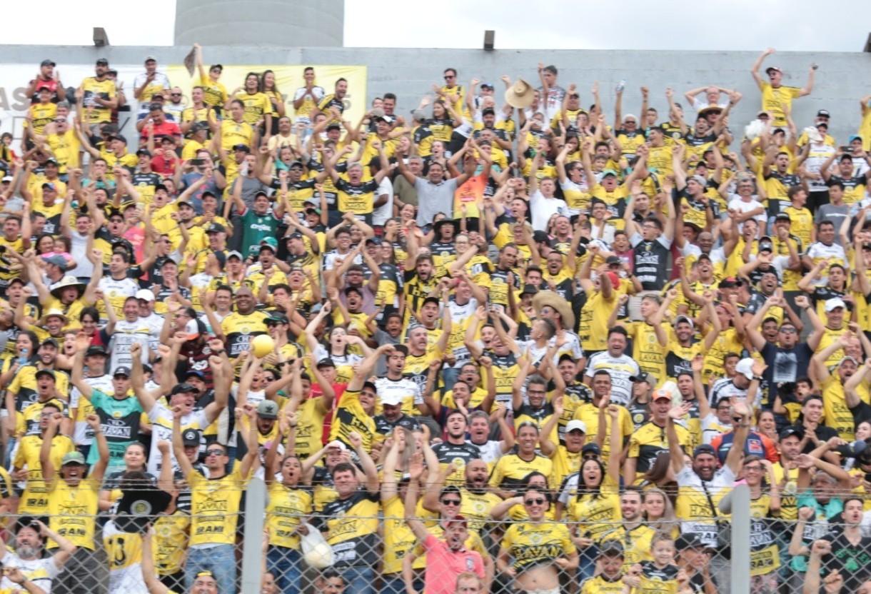 FC Cascavel quebra mais um tabu ao  vencer o Athlético, diante do maior público da temporada