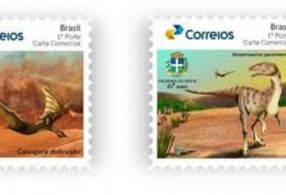 Correios lançam selos com imagens de dinossauros encontrados no Paraná