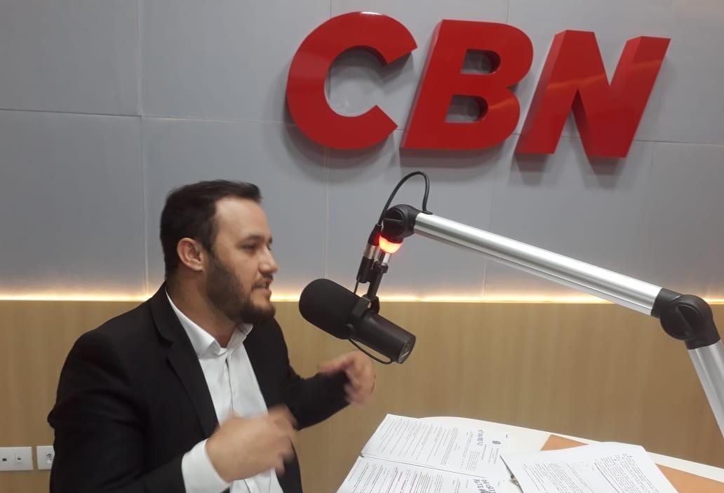 """""""É uma mística que o brasileiro não pode ter arma"""", diz advogado"""