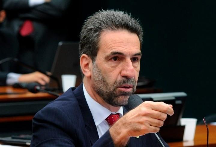 Deputado Enio Verri é o entrevistado desta quarta-feira (31)