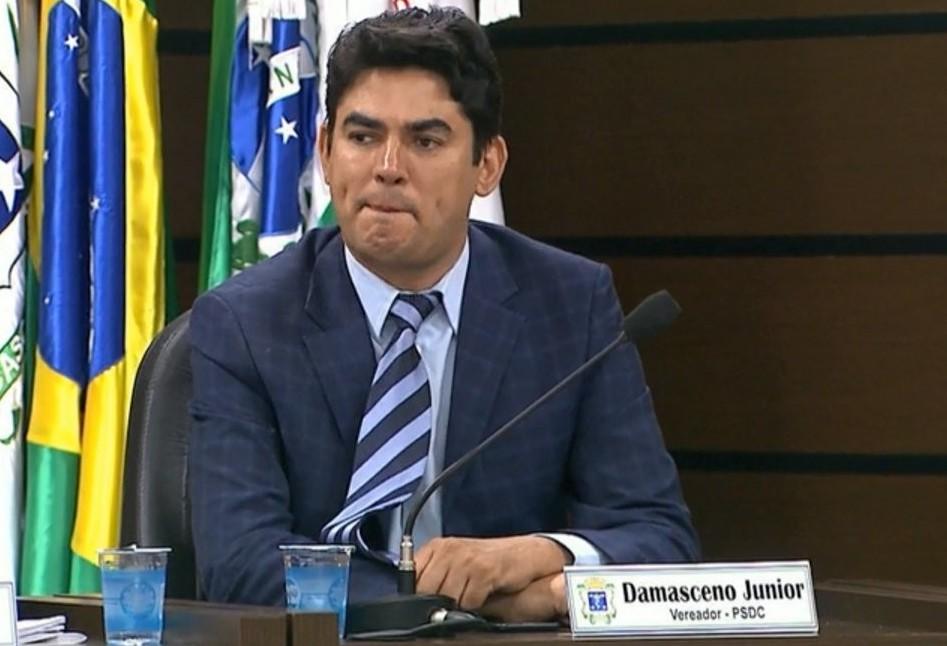 Damasceno é interrogado na Delegacia de Combate à Corrupção