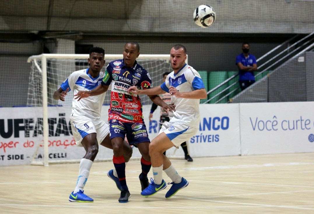 Cascavel Futsal tem jogo decisivo neste sábado contra o Minas no ginásio da Neva