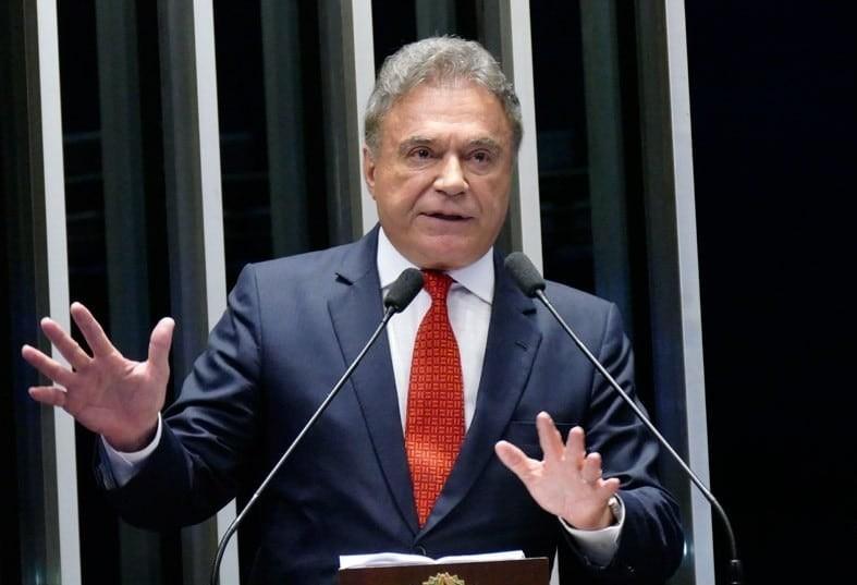 """""""Principal reforma que precisa acontecer no Brasil,é moral"""", diz  Álvaro Dias"""