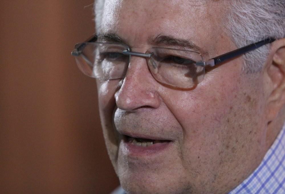 Com derrota em convenção Requião anuncia saída do MDB