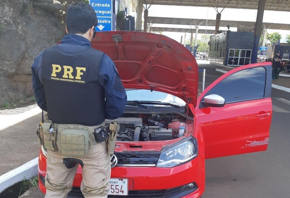 Polícia recupera veículo roubado em Campina Grande do Sul