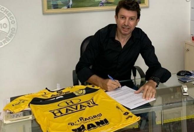 Diretoria anuncia Tcheco como treinador do FC Cascavel para temporada 2021