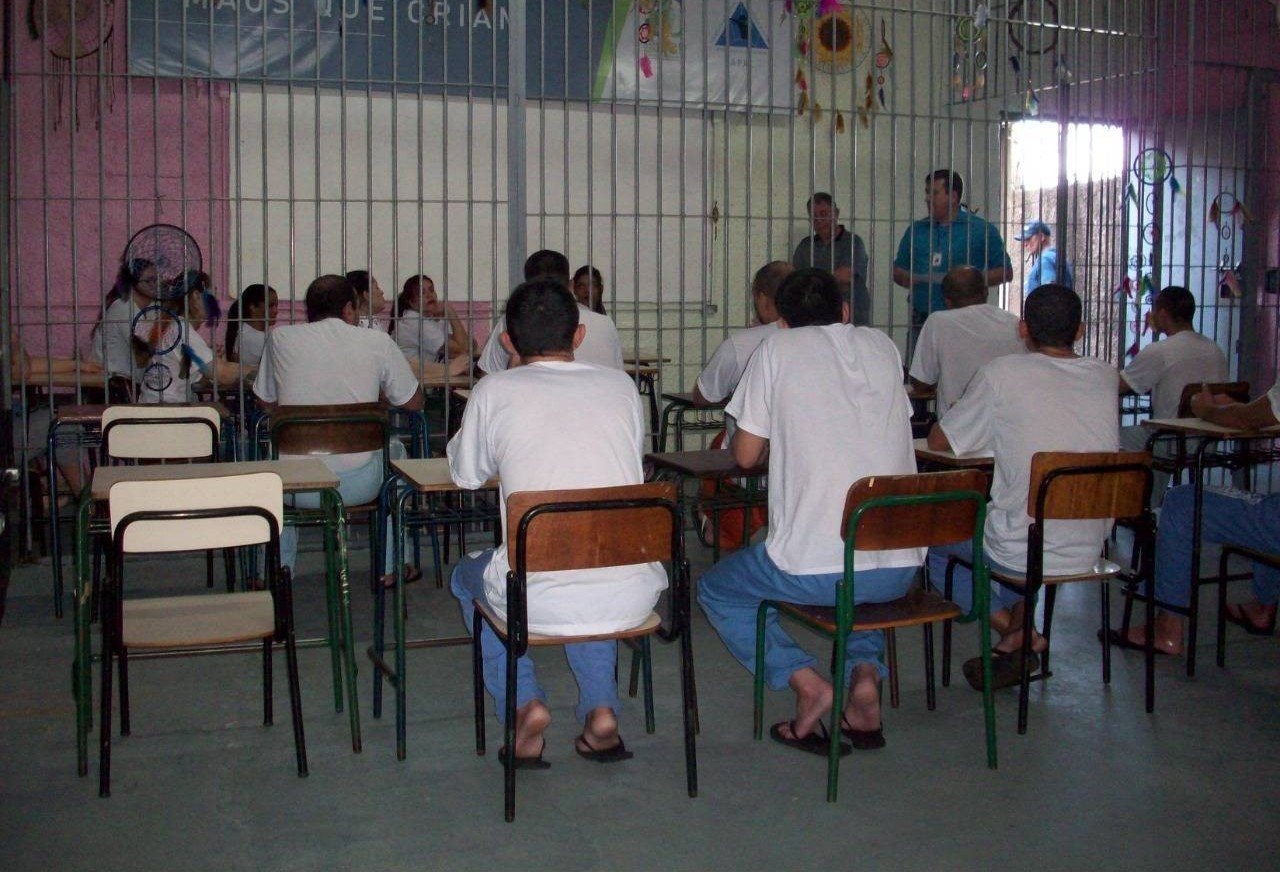 Projeto de Extensão permite curso preparatório para presos de Toledo