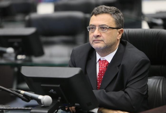 """""""Sou deputado de causa"""", diz  Michele Caputo"""