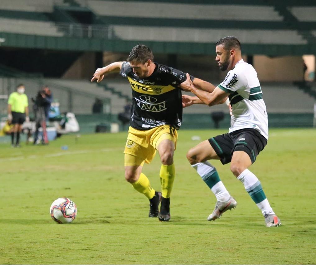 FC Cascavel vence  Coritiba no Couto Pereira