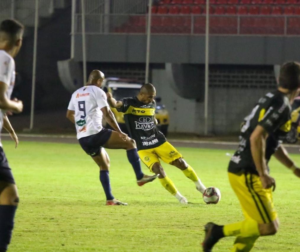 FC Cascavel vence Toledo e reassume liderança do Paranaense